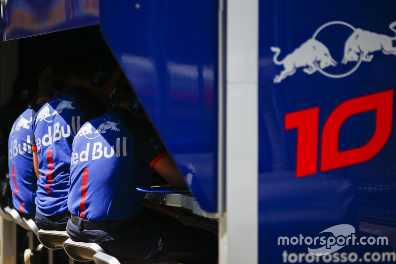 The Toro Rosso team on the pit wall