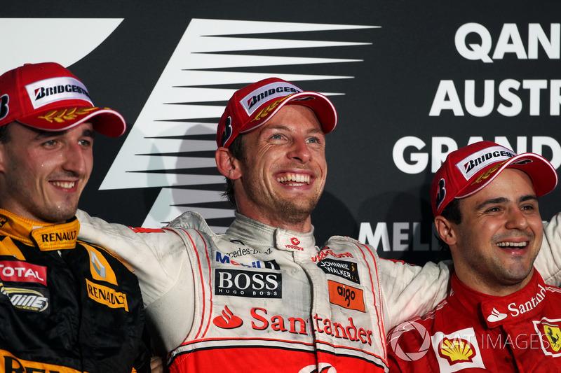 Podyum: 2. Robert Kubica, Renault F1 Team, yarış galibi Jenson Button, McLaren, 2. Felipe Massa, Fer