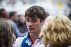 Charles Leclerc, Sauber avec les médias