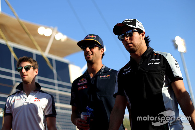 Sergio Perez, Sahara Force India F1; Daniel Ricciardo, Red Bull Racing und Romain Grosjean, Haas F1 Team