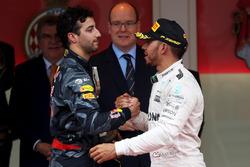 Даніель Ріккардо, Red Bull Racing вітає Льюіса Хемілтона, Mercedes AMG F1