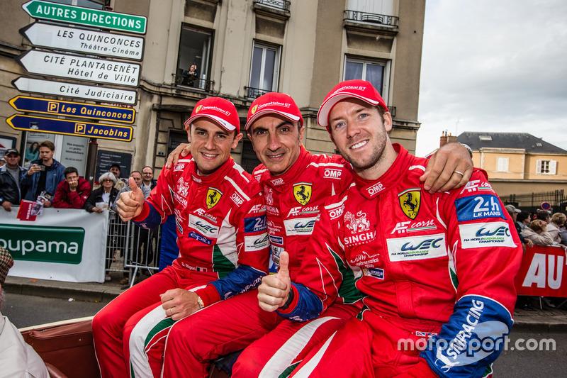 #71 AF Corse Ferrari 488 GTE: Davide Rigon, Andrea Bertolini, Sam Bird