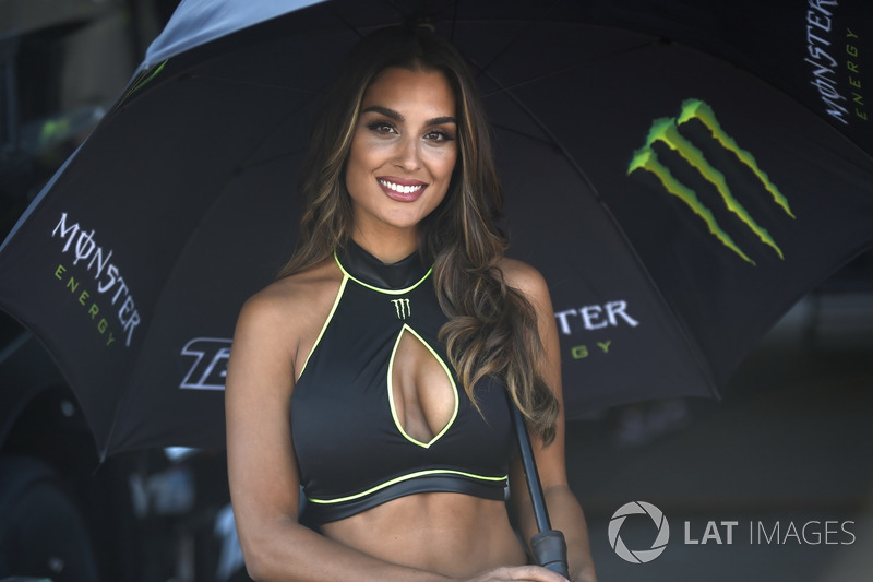 Grid girl Monster