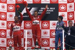 Podium : le vainqueur Michael Schumacher, le deuxième Rubens Barrichello, Ferrari, et le troisième Giancarlo Fisichella