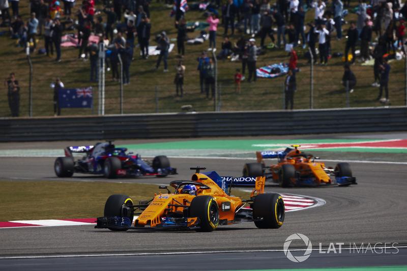 Fernando Alonso, McLaren MCL33 Renault, Stoffel Vandoorne, McLaren MCL33 Renault, e Brendon Hartley, Toro Rosso STR13 Honda