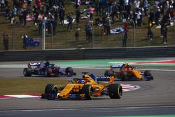 Fernando Alonso, McLaren MCL33 Renault, Stoffel Vandoorne, McLaren MCL33 Renault, et Brendon Hartley, Toro Rosso STR13 Honda