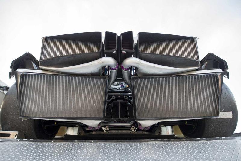 Autó Rendkívül összetett motor mozgatja a BMW M8 GTE versenyautót