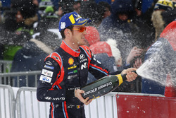 Победитель Тьерри Невилль, Hyundai Motorsport