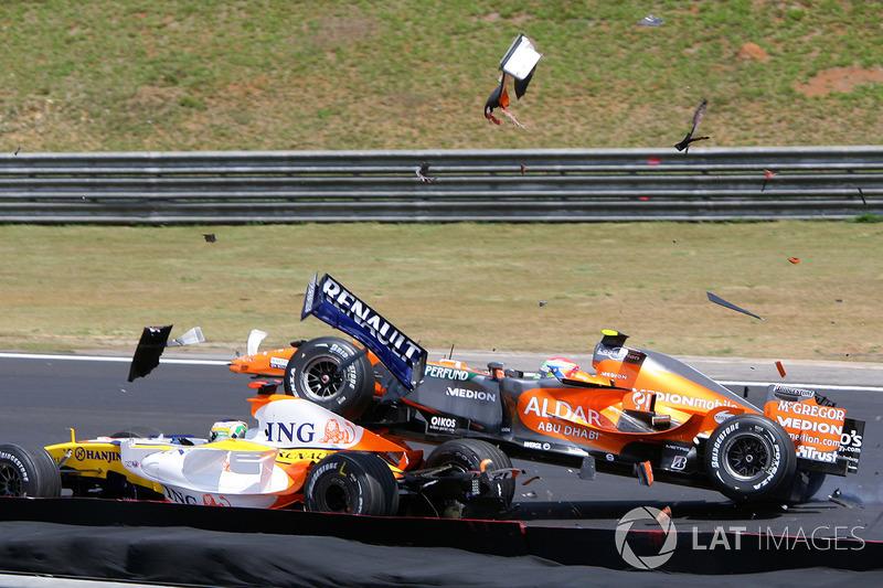 Sakon Yamamoto, Spyker F8-VII ve Giancarlo Fisichella, Renault R27