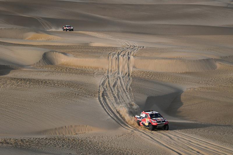 #301 Toyota Gazoo Racing Toyota: Nasser Al-Attiyah, Mathieu Baumel, #306 Peugeot Sport Peugeot 3008 DKR: Sébastien Loeb, Daniel Elena