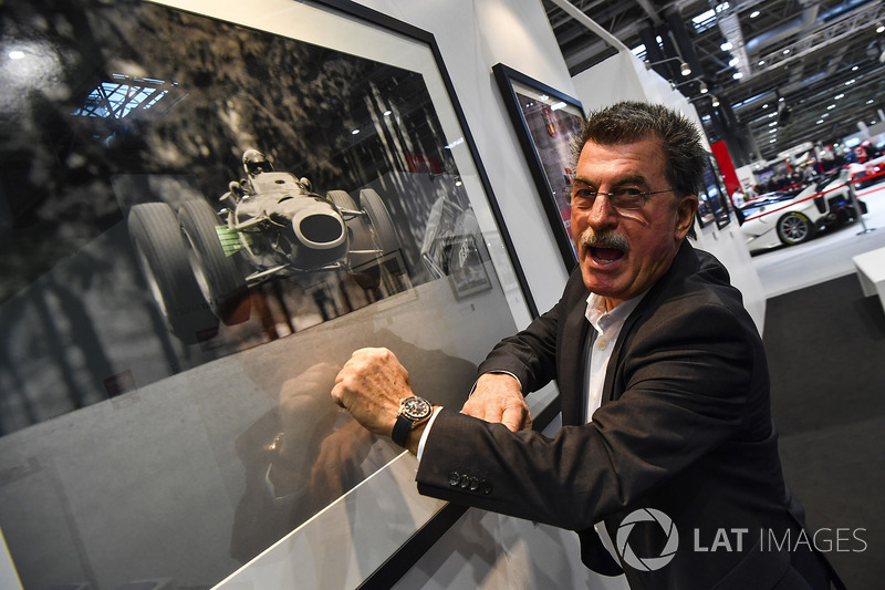 Rainer Schlegelmilch on the LAT stand
