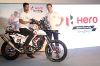 CS Santosh, Hero MotoSports Team Rally con el Dr. Markus Braunsperger, jefe de tecnología Hero MotoCorp