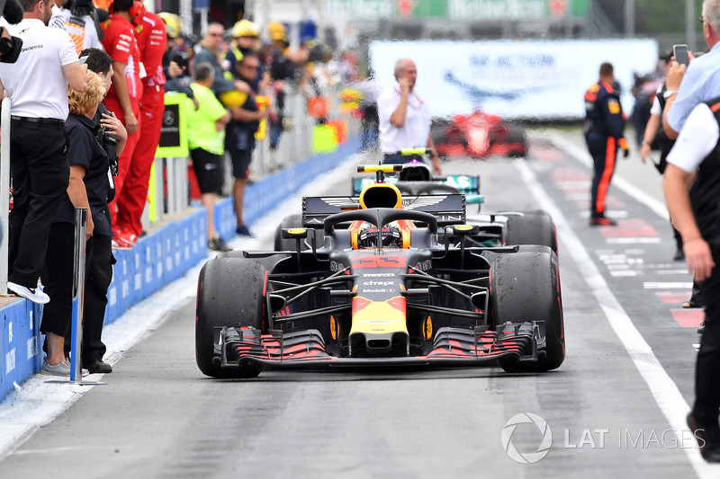 Max Verstappen, Red Bull Racing RB14, nel parco chiuso
