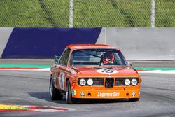 Niki Lauda, BMW 3.6 CSL Alpina durante el Desfile de Leyendas