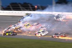 Enorme crash in ronde 54