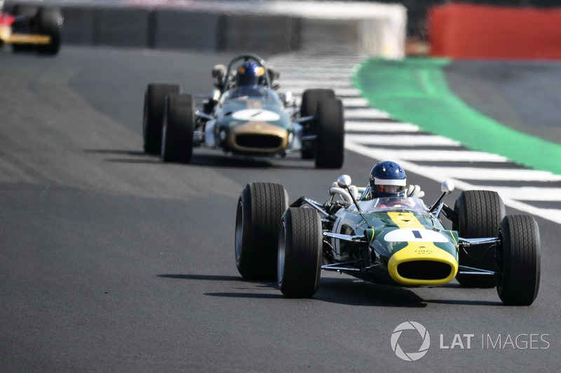 Lotus 43 на параді до 70-річчя Сільверстоуна