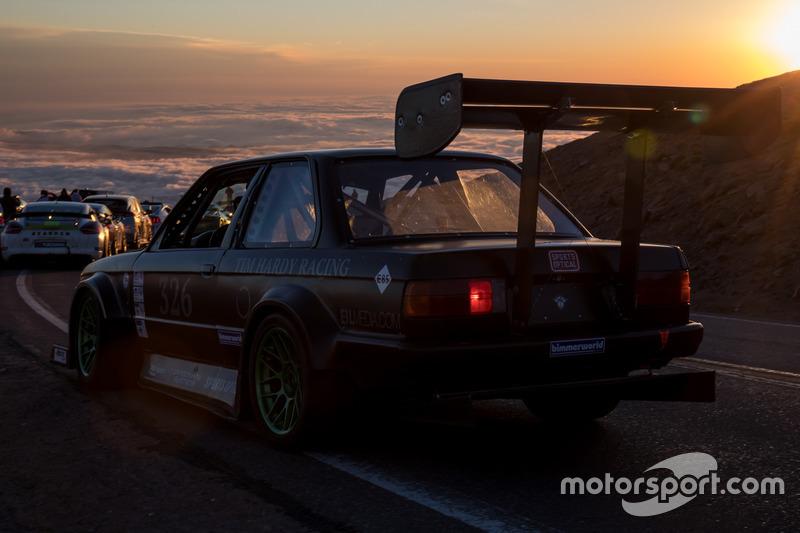 #326 Tim Hardy, BMW E30