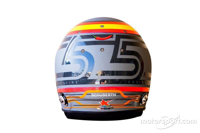El casco de Carlos Sainz en su debut con McLaren F1 en los test de 2018