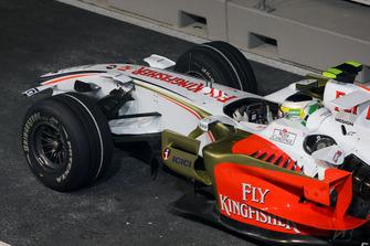 Повреждение переднего антикрыла на автомобиле VJM01 Джанкарло Физикеллы, Force India F1