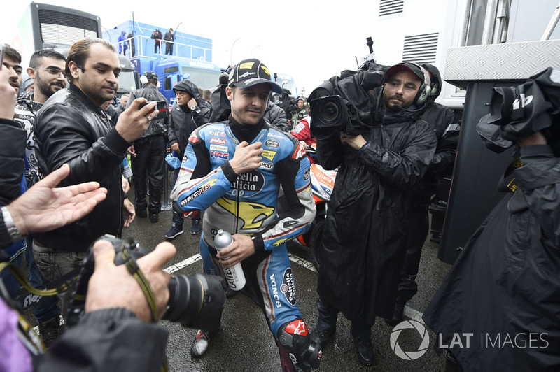 Thomas Luthi, Estrella Galicia 0,0 Marc VDS, leaving Safety commission meeting