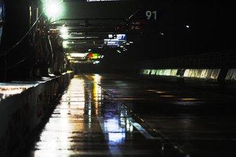 De la pluie dans les stands de Sebring