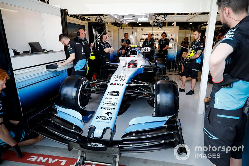 Robert Kubica, Williams FW42, nel garage