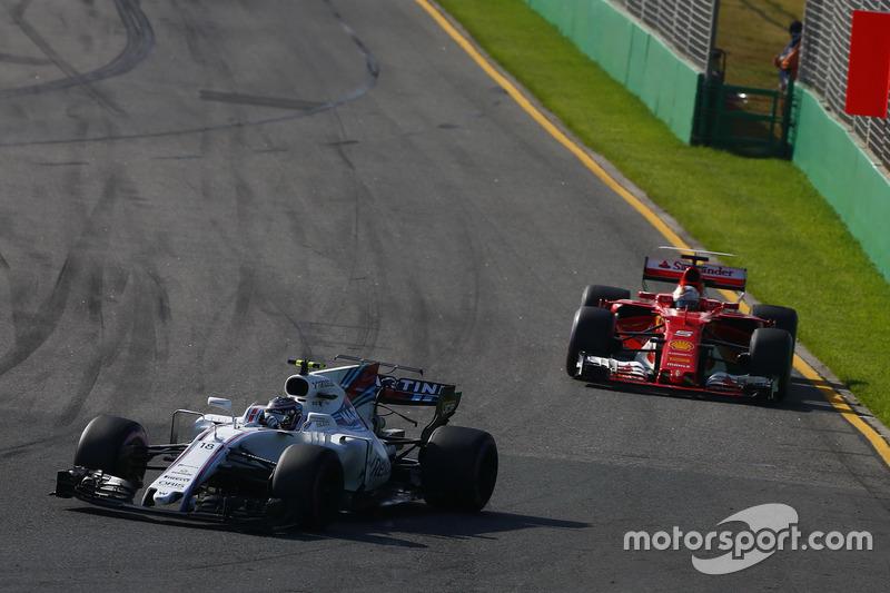 Lance Stroll, Williams, FW40; Sebastian Vettel, Ferrari, SF70H