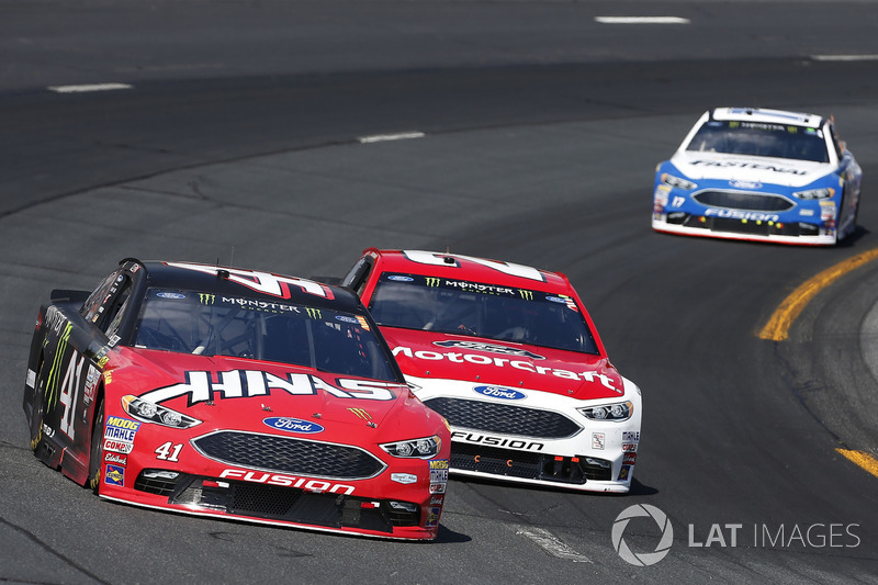 Kurt Busch, Stewart-Haas Racing Ford Ryan Blaney, Wood Brothers Racing Ford