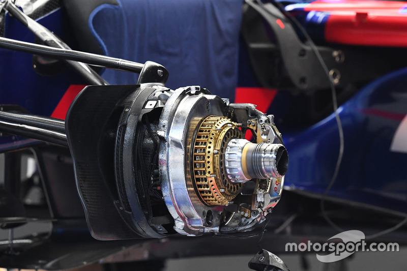 Scuderia Toro Rosso STR12 front brake detail