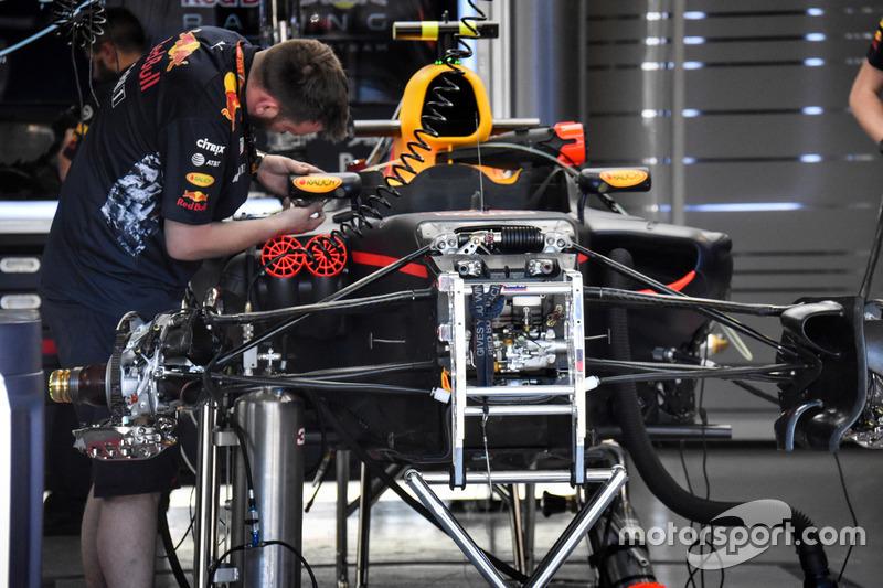Детали передней подвески Red Bull RB13