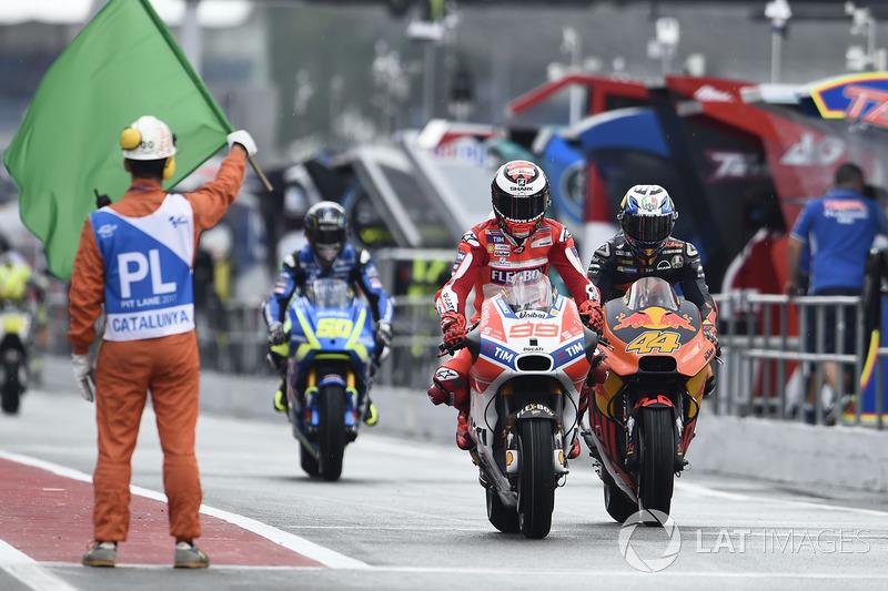 Jorge Lorenzo, Ducati Team, Pol Espargaró, Red Bull KTM Factory Racing, pit lane