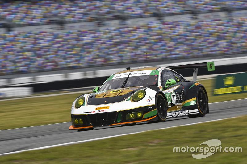 #28 Alegra Motorsports, Porsche 911 GT3 R: Daniel Morad, Jesse Lazare, Carlos de Quesada, Michael de Quesada, Michael Christensen