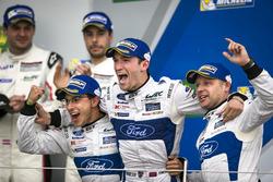 Podium GTE-Pro: ganador #67 Ford Chip Ganassi Racing Ford GT: Andy Priaulx, Harry Tincknell, Pipo Derani