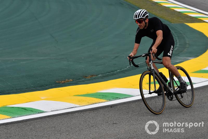Robert Kubica, Williams parcourt la piste à vélo