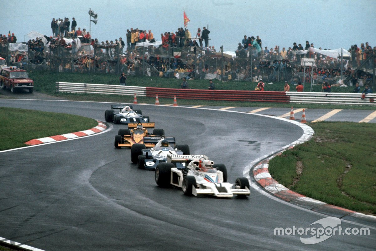 lan Jones, Shadow DN8 Ford, leads Ronnie Peterson, Tyrrell P34 Ford, Jean-Pierre Jarier, Penske PC4 Ford, and Patrick Depailler, Tyrrell P34 Ford