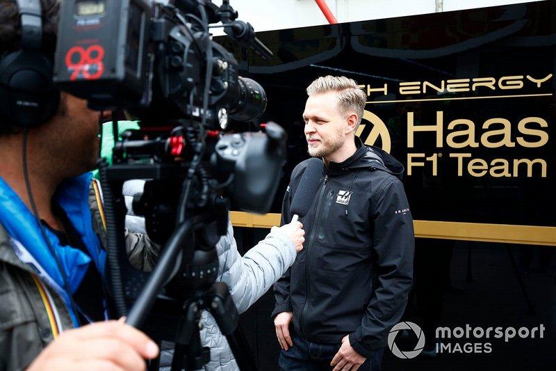 Haas F1 talks with the media
