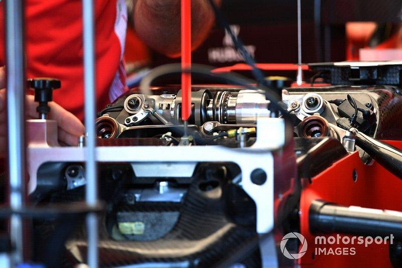 Dettagli sospensioni Ferrari SF90