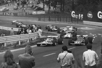 Jack Brabham, Brabham BT33-Ford, leads Jacky Ickx, Ferrari 312B