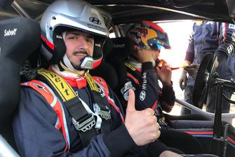 Dani Sordo, Hyundai Motorsport e Giacomo Rauli, giornalista di Motorsport.com