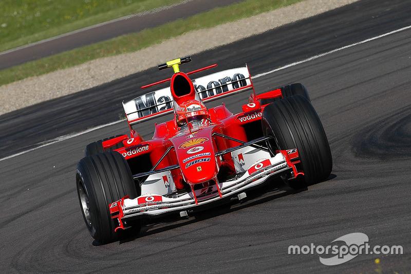Valentino Rossi mengemudikan Ferrari F2004 di Fiorano