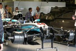 Mercedes-Benz F1 W08  front suspension
