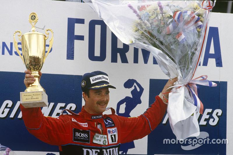 Podium : le vainqueur Nigel Mansell, Williams