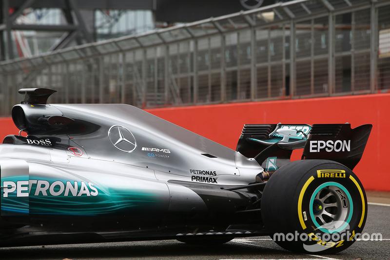 Mercedes AMG F1 W08: Seitenkasten und Heckflügel