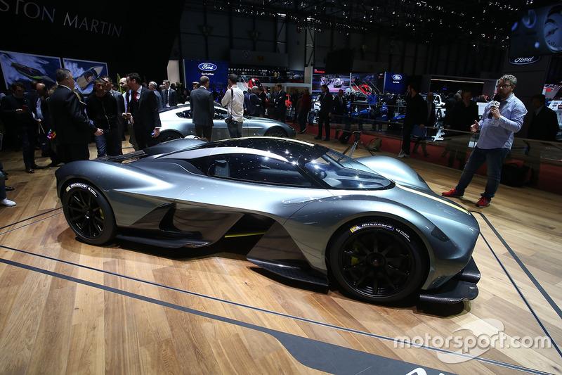 Aston Martin Valkyrie (001)