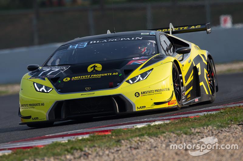 #77 Barwell Motorsport Lamborghini Huracan GT3: Гюнтер Еббот, Мартін Кодріч, Патрік Куяла