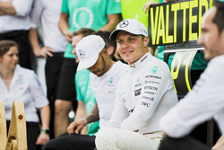Race winner Valtteri Bottas, Mercedes AMG F1, celebrates, Lewis Hamilton, Mercedes AMG F1, the Mercedes team