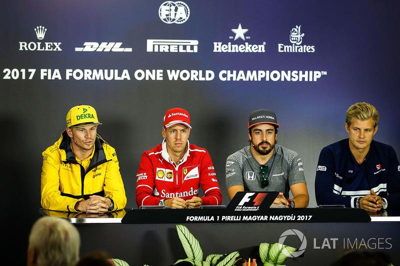 Nico Hulkenberg, Renault Sport F1 Team RS17, Sebastian Vettel, Ferrari, Fernando Alonso, McLaren and Marcus Ericsson, Sauber in the Press Conference