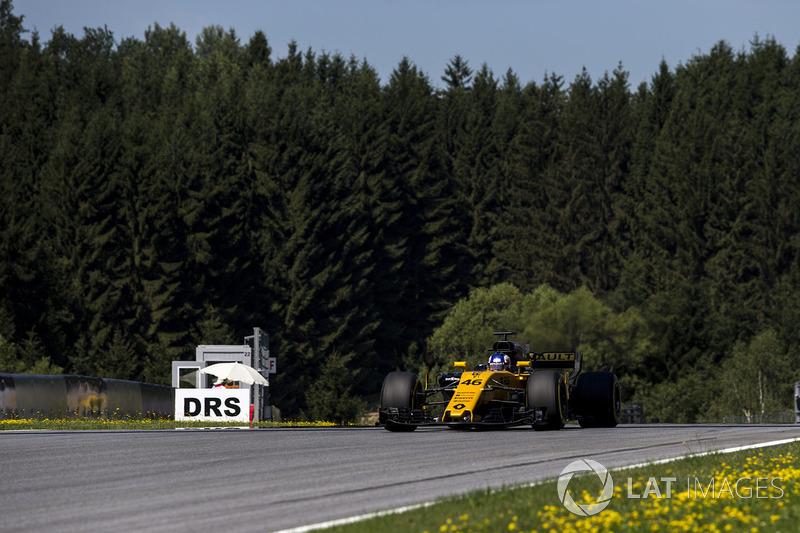 Сергій Сироткін, тестовий пілот Renault Sport F1 Team RS17