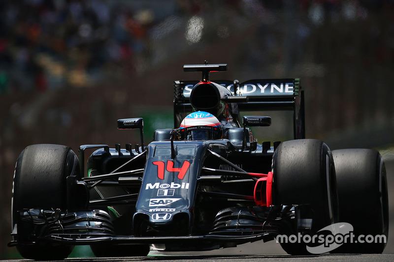 10: Фернандо Алонсо, McLaren MP4-31