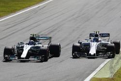 Valtteri Bottas, Mercedes AMG F1 W08, Lance Stroll, Williams FW40